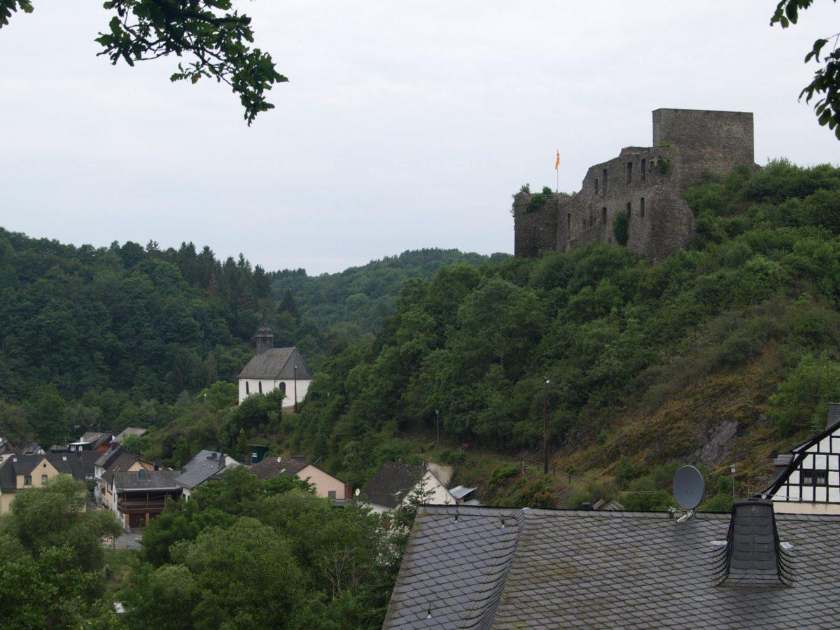 Virne-Burgweg